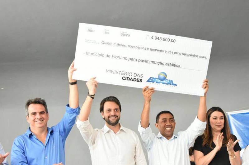Floriano recebe ministro das Cidades repasse de quase R$ 5 milhões para mobilidade urbana
