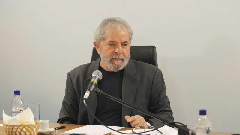 Defesa de Lula vai à Justiça contra semiaberto que Lava Jato pediu