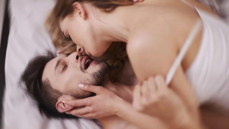 Conheça as quatro posições mais orgásmicas para os homens