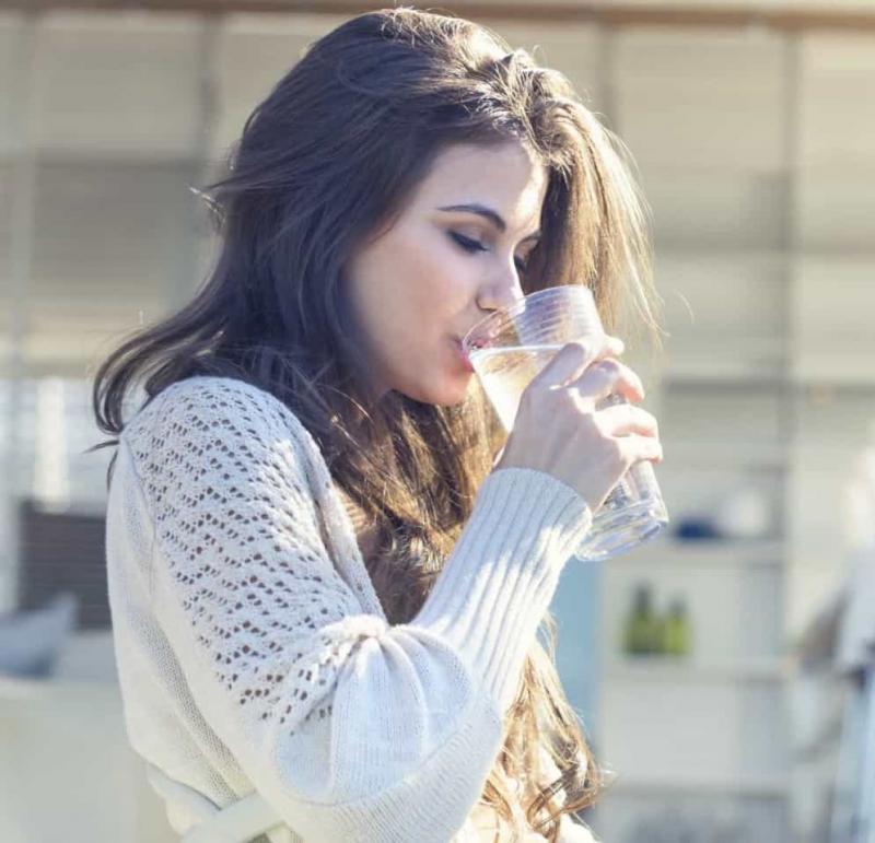 O que acontece ao corpo quando não bebe água suficiente