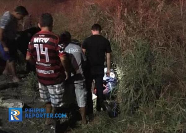 Motociclista fica ferido após colidir contra poste em Piripiri