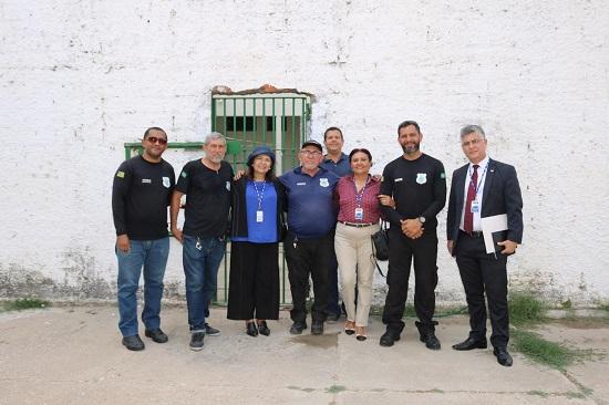 Comissão da OAB Piauí realiza vistoria no CEM