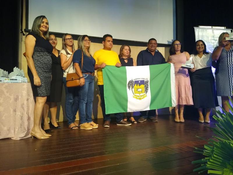 Município recebe prêmio por desempenho na educação básica
