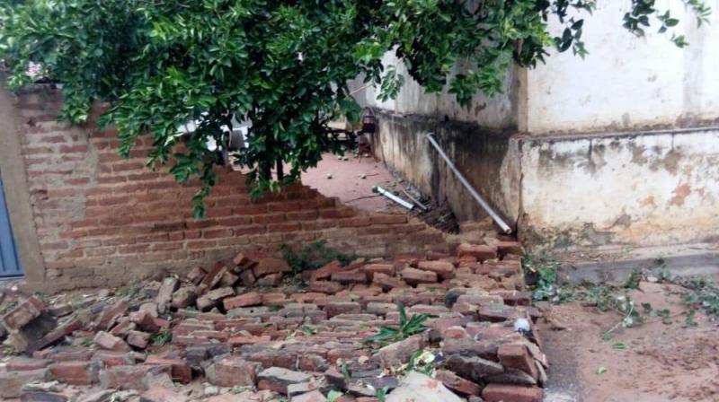 Temporal derruba muros e destelha casas no sul do Piauí