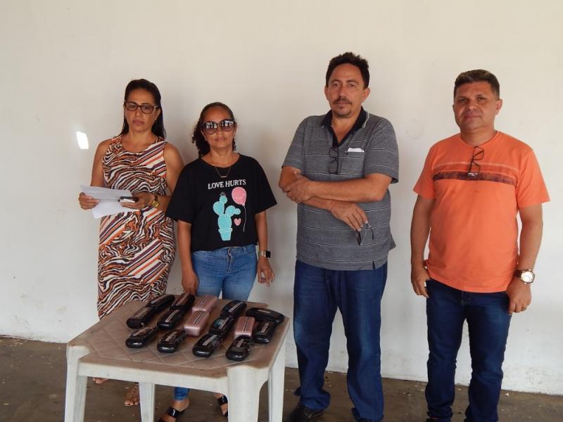 Agricolândia | Gestão fez entrega de óculos para alunos do município
