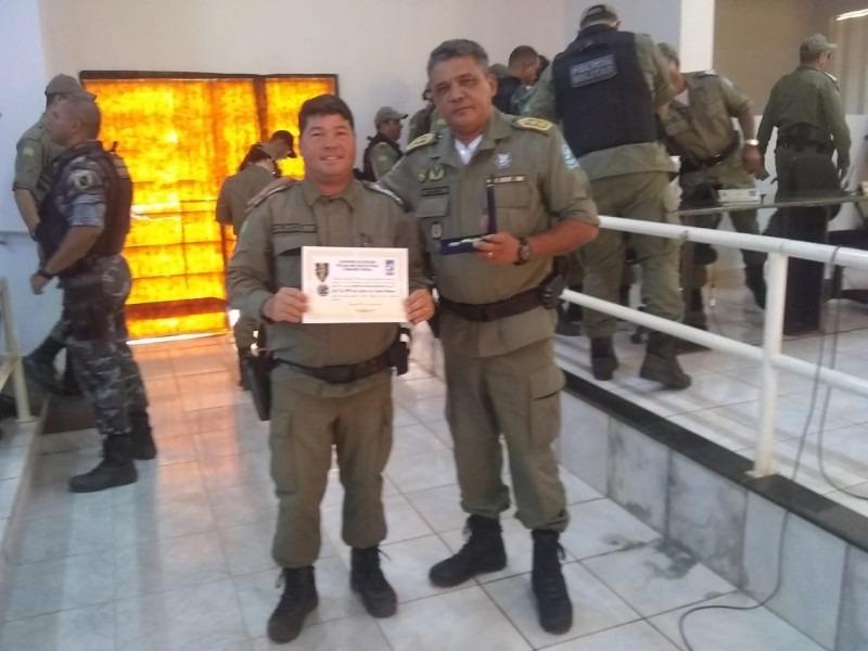 PMs do 7º BPM participam de Reunião e Subtenente J. Carlos recebe medalha