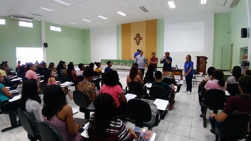 Aprova Oeiras prepara estudantes da rede pública de ensino para o ENEM