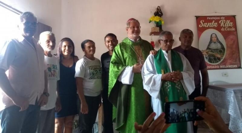 Bispo Dom Marcos Antonio Tavoni visita comunidade Melancias em Gilbués-PI
