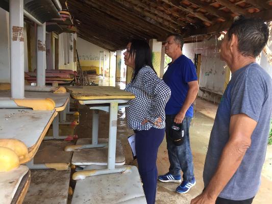 Prefeita Doquinha visita o prédio onde poderá ser o Centro Cultural