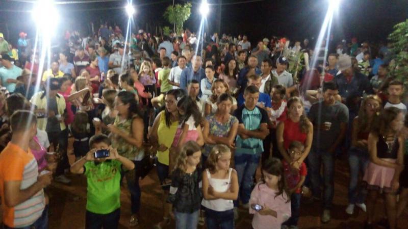 Comunidade Carnaubal faz confraternização ao ser contemplada com energia elétrica