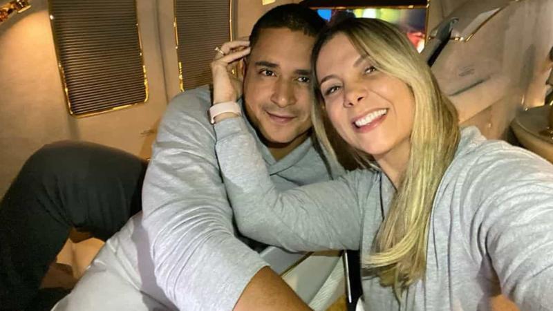 Carla Perez e Xanddy celebram 18 anos de casados em Dubai