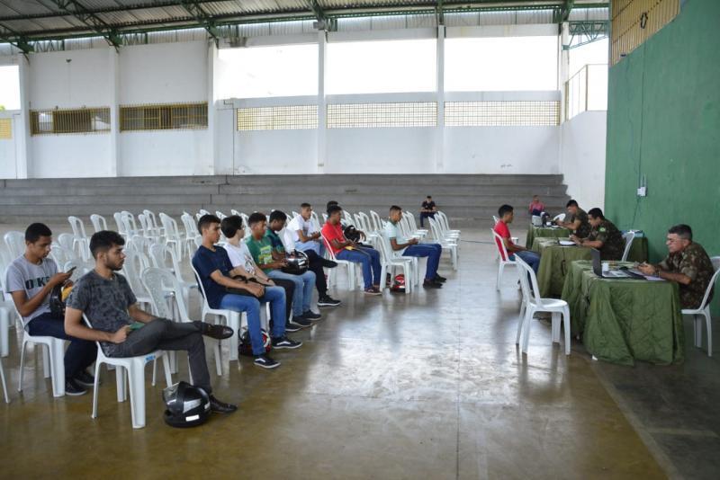 3º Batalhão de Engenharia de Construção realiza alistamento em Floriano