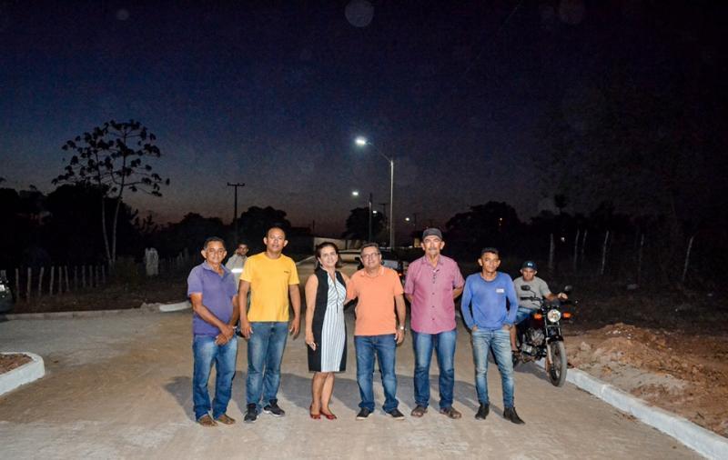 Prefeitura de Joaquim Pires entrega iluminação de LED