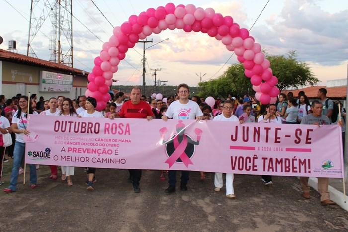 Caminhada chama a atenção para prevenção do câncer de mama