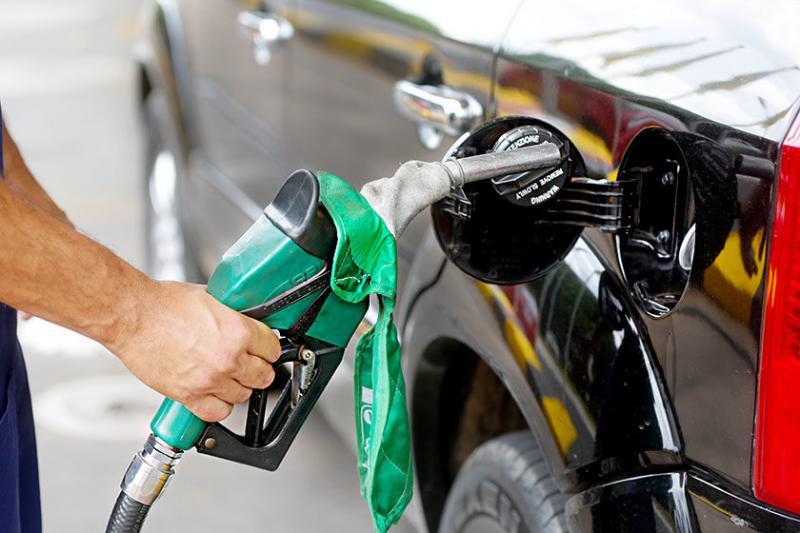 Petrobras anuncia queda nos preços da gasolina e diesel