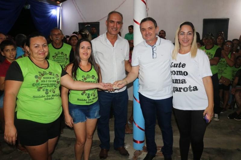 Prefeito Oscar e Vereadora Lusilene entregam Espaço de Convivência