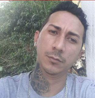 Suspeito de matar tia estrangulada se entrega à polícia