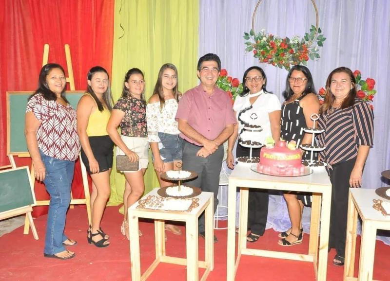 Prefeitura de São João do Arraial realiza festa em homenagem aos servidores