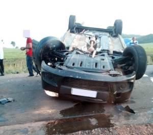Três pessoas morrem após carro capotar em rodovia no Maranhão