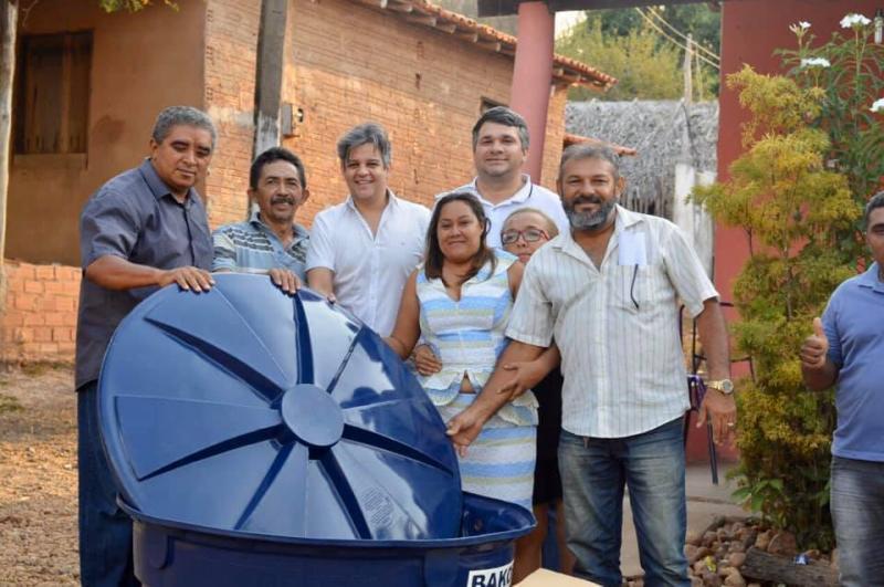 Miguel Leão | Prefeito entrega de kits de irrigação para agricultores