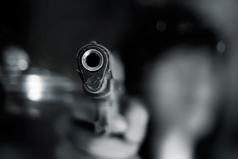 Jovem de 18 anos morre com tiro na cabeça após jogar roleta russa