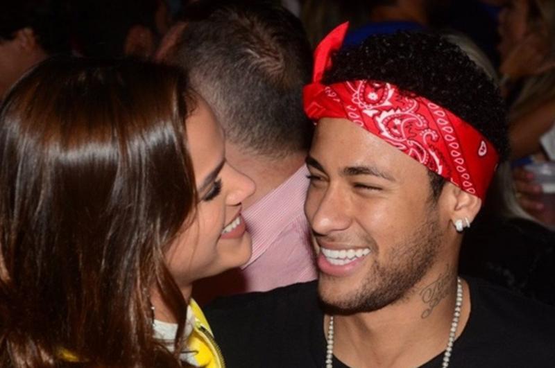 Bruna Marquezine deve se afastar da TV Globo para ficar com Neymar
