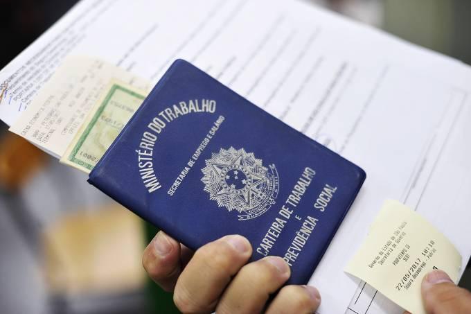 Governo cria programa de apoio para quem ganha até R$ 1.500