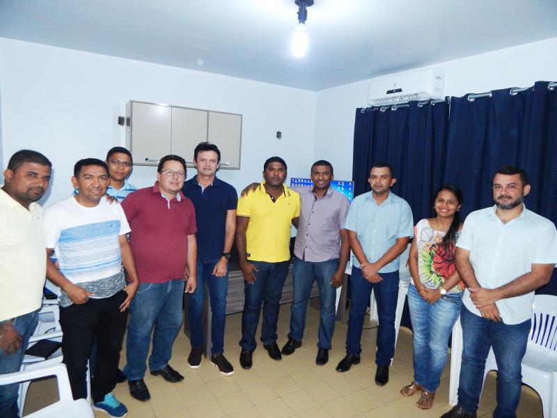 Prefeito Dr. Manoel Júnior realizou uma reunião com todos os Secretários de Cristino Castro-PI