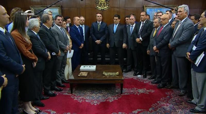 O presidente da República, Jair Bolsonaro, entrega hoje ao Congresso um pacote de propostas na área econômica