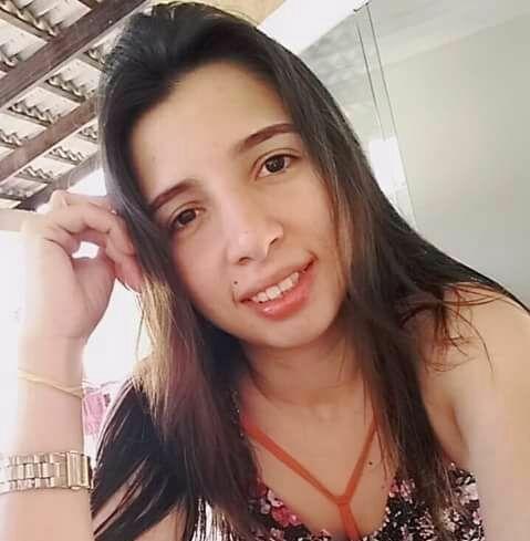 Jovem é morta a facadas após pedir namorada em casamento