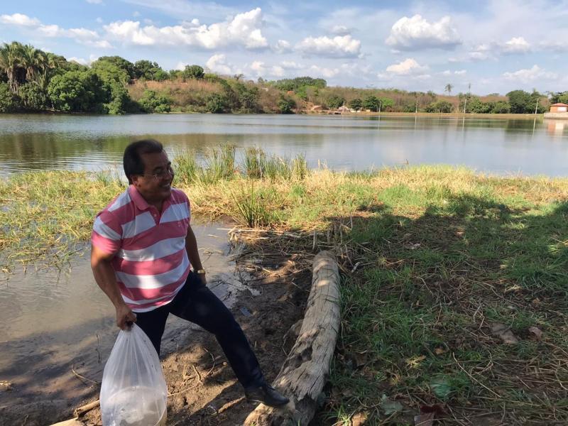 Prefeitura de Água Branca repõe mais de 100 mil alevinos