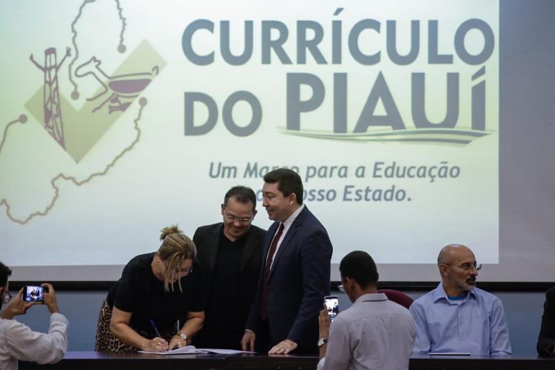 Seduc e Undime iniciam formação para implantar Currículo do Piauí
