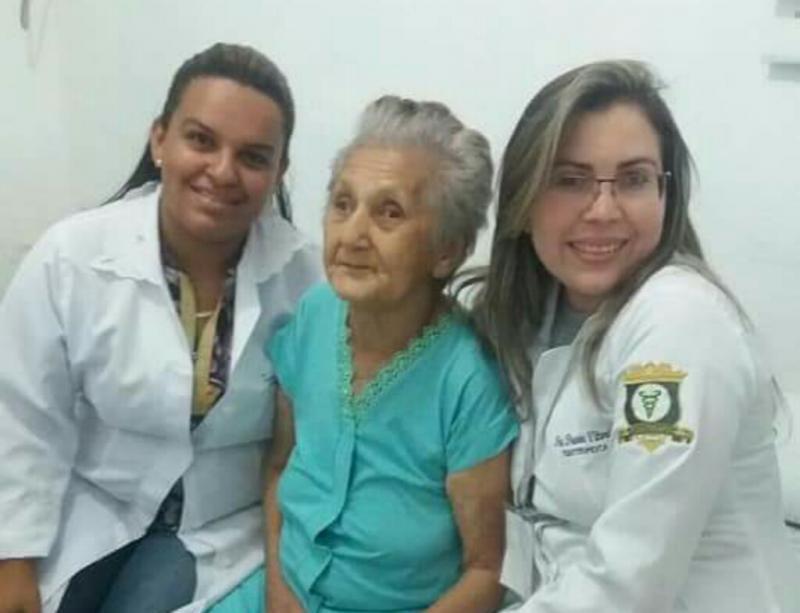 Equipe da Nasf de Amarante faz homenagem à dona Maria Ana