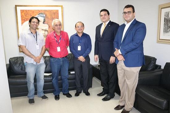 OAB Piauí recebe representantes do IBGE
