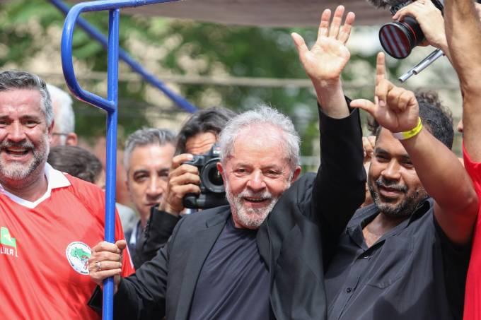 Com Lula solto, deputados analisam PEC da segunda instância