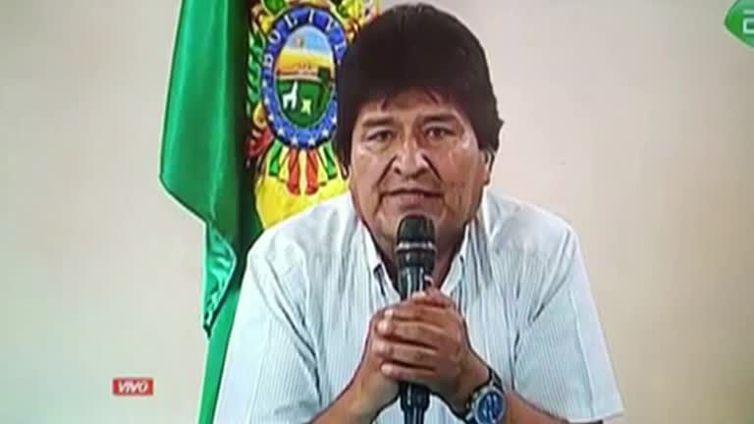 Evo Morales durante transmissão televisiva da renúncia - Reuters/Direitos Reservados