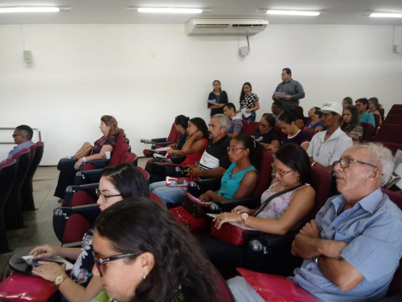 Equipe da SEMEC de Francinópolis participa de Oficina do PNAE em Valença