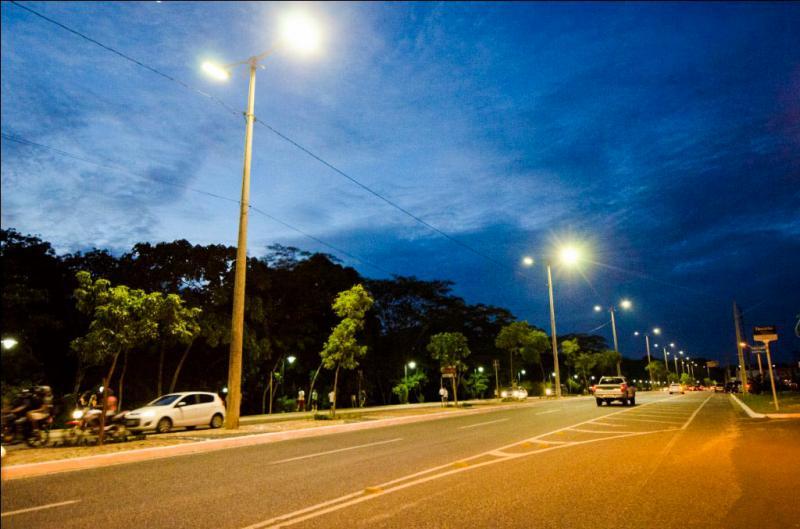 Vandalismo causa prejuízos à iluminação pública de Teresina