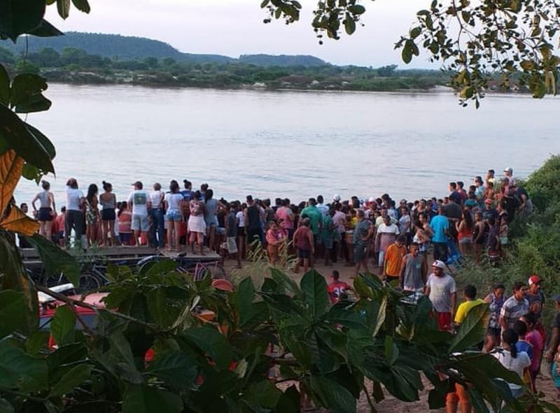 Bombeiros resgatam corpo de jovem que se afogou no rio Parnaíba
