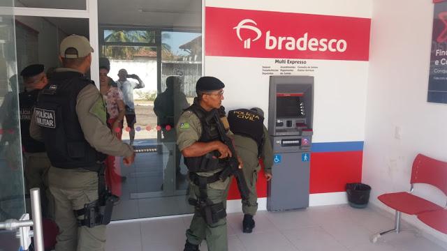 Bandidos arrombam agência do banco Bradesco no Piauí