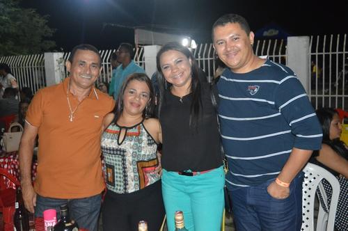 Vereador Adão Moura prestigiou a tradicional festa dos anos 80
