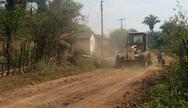 Prefeitura de São João do Arraial continua recuperando estradas vicinais