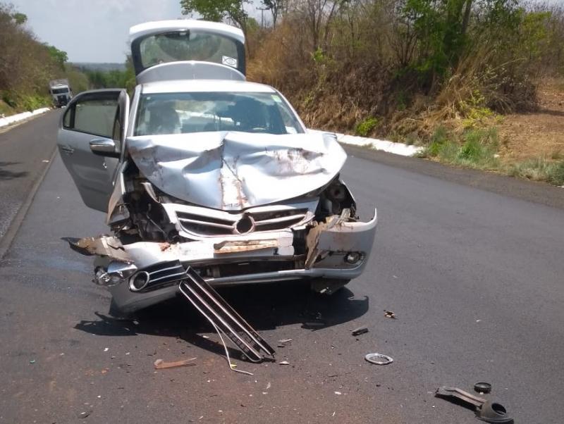 Família sofre acidente na BR 343 ao retornar de velório