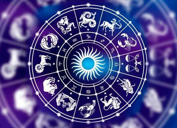 Confira a previsão de hoje (15/11) para seu signo