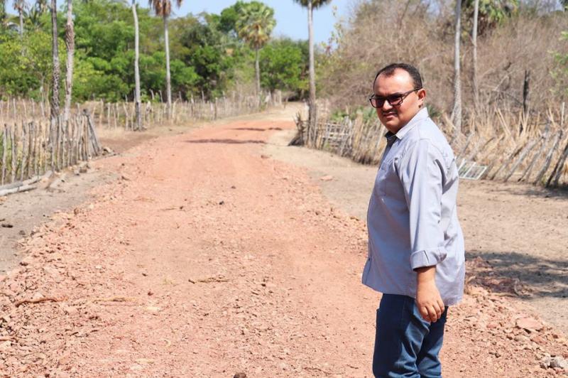 BENEDITINOS:Prefeito interliga mais comunidades rurais do município
