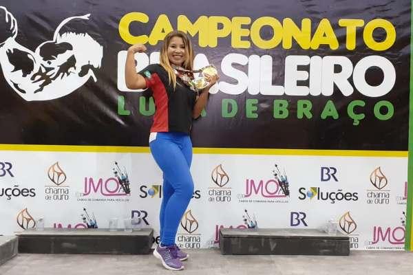 Timonense sagra-se Campeã Brasileira de Luta de Braço em duas categorias