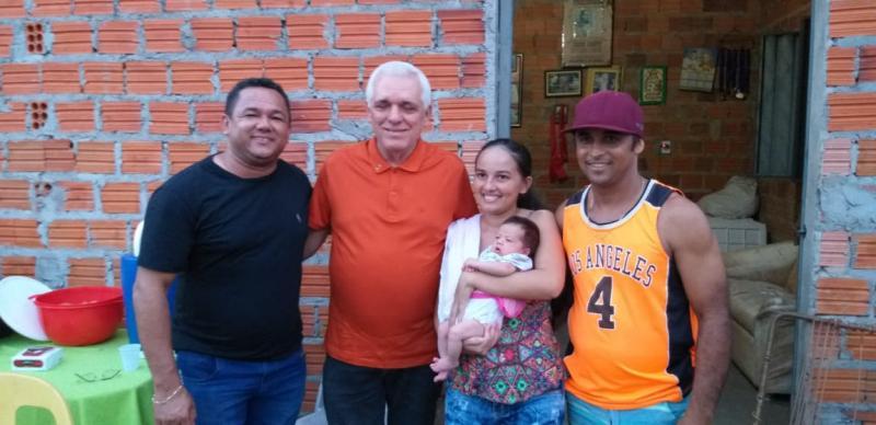 Deputado Themistocles Filho visita amigos na zona rural de Esperantina