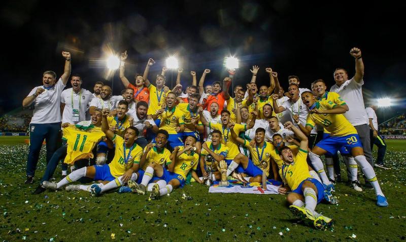 Brasil vence México de virada e conquista tetracampeonato no sub-17