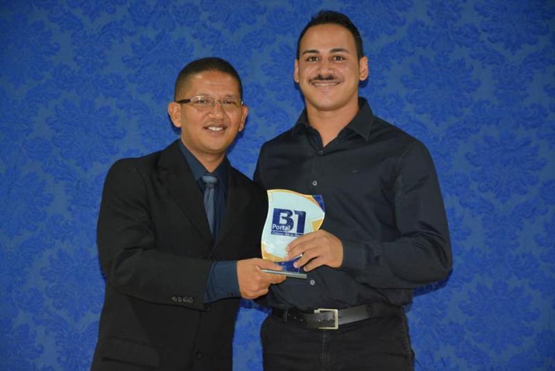 Vereador Henrique Guerra recebeu o Troféu B1
