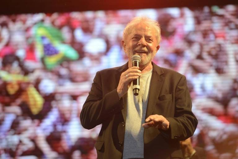 Lula diz que não é pombo-correio para colocar tornozeleira
